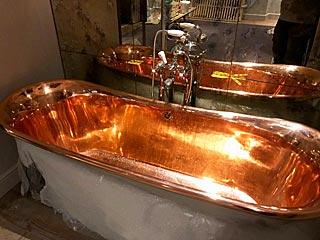 12 bathrooms rebuilt in Surrey hotel